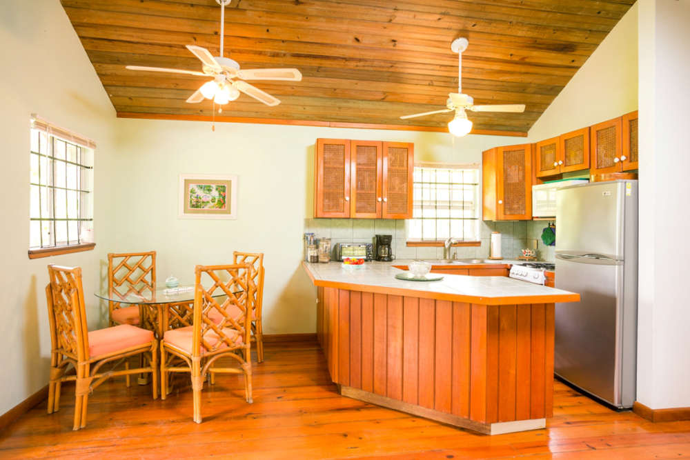 Kitchen-Dining-Area-sml-3