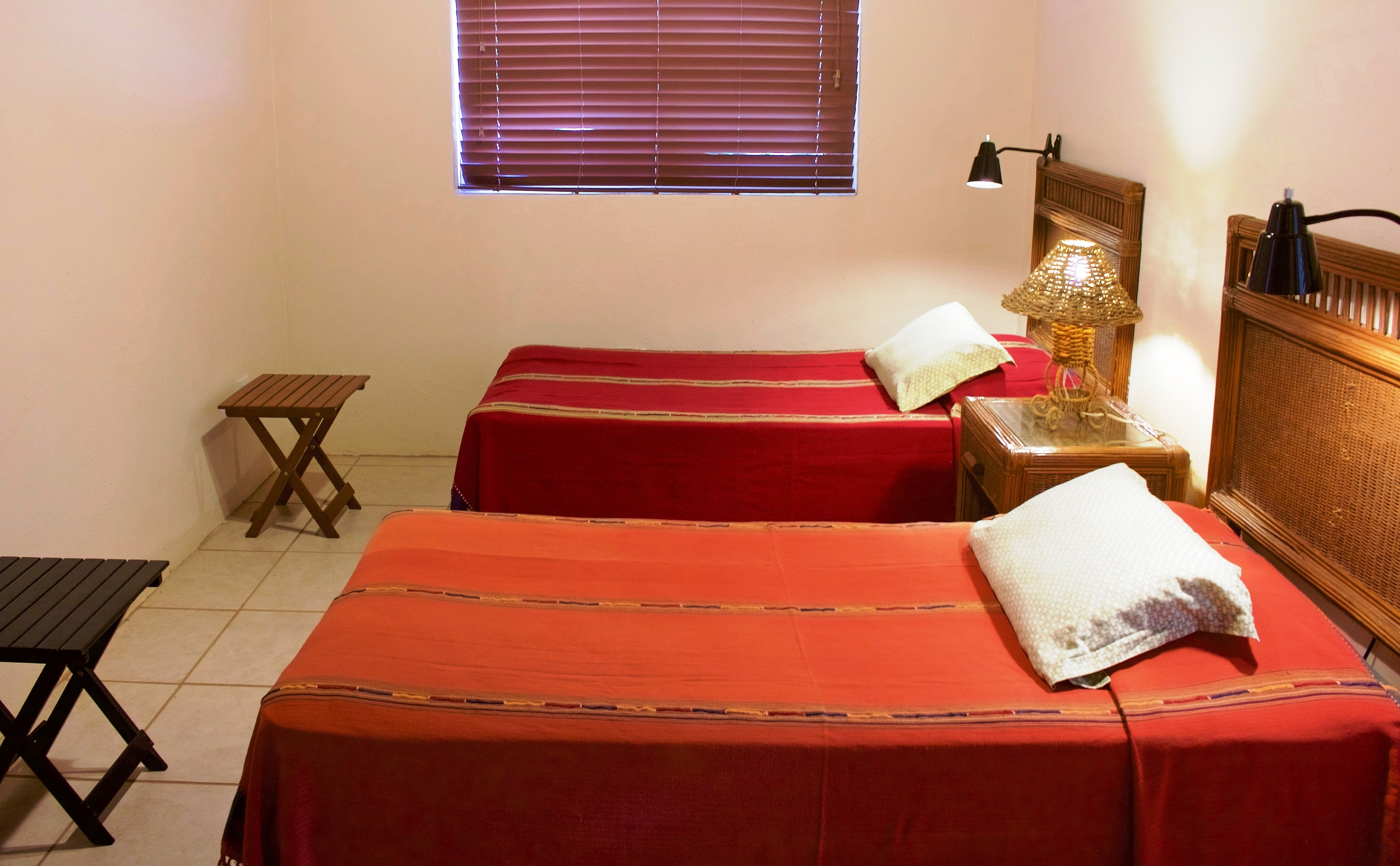SV4B-guest-bedroom