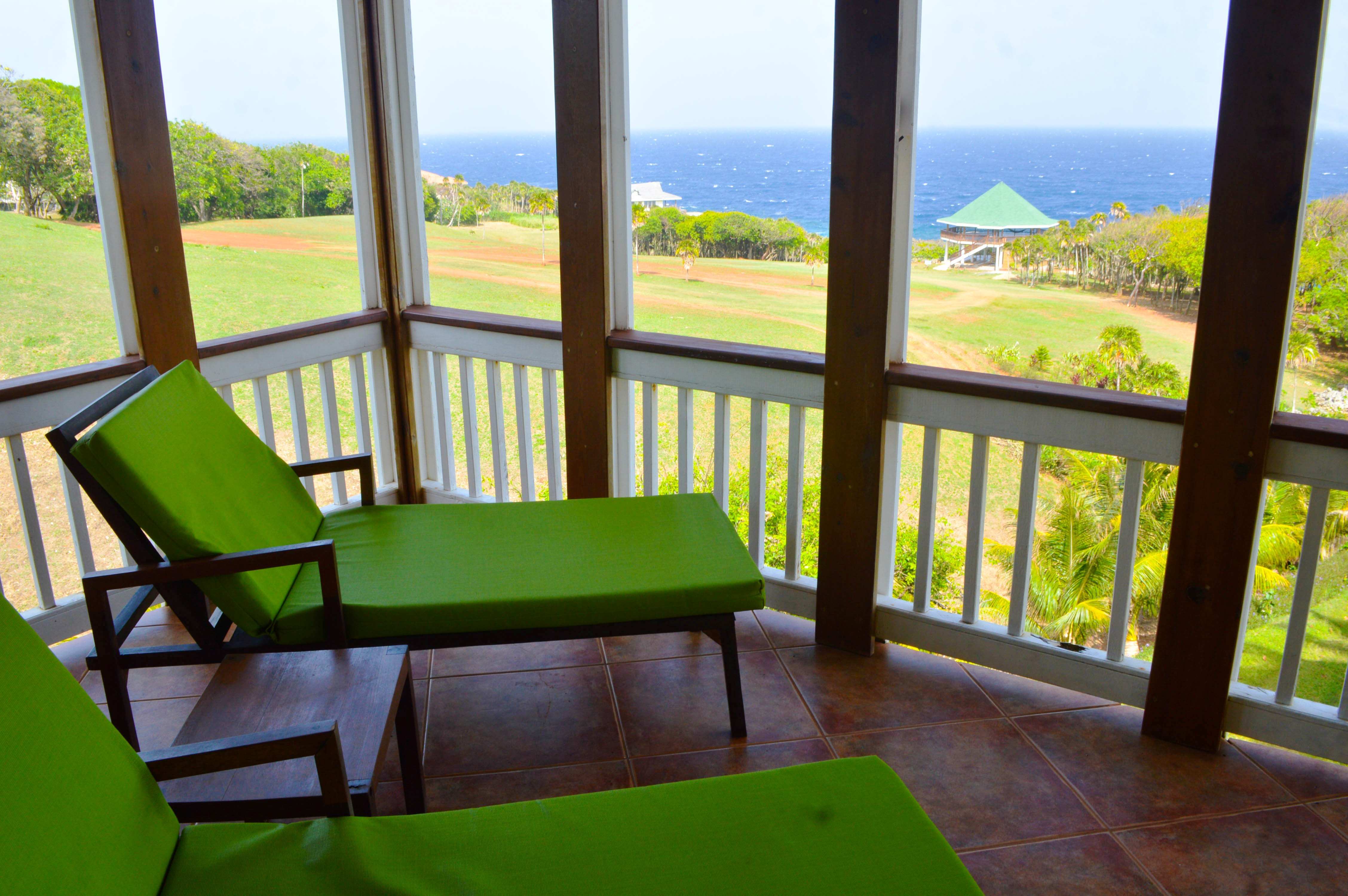 sea-view-from-all-rooms-1