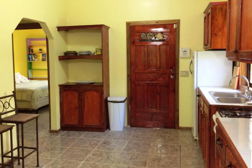 upstairs-kitchen-02