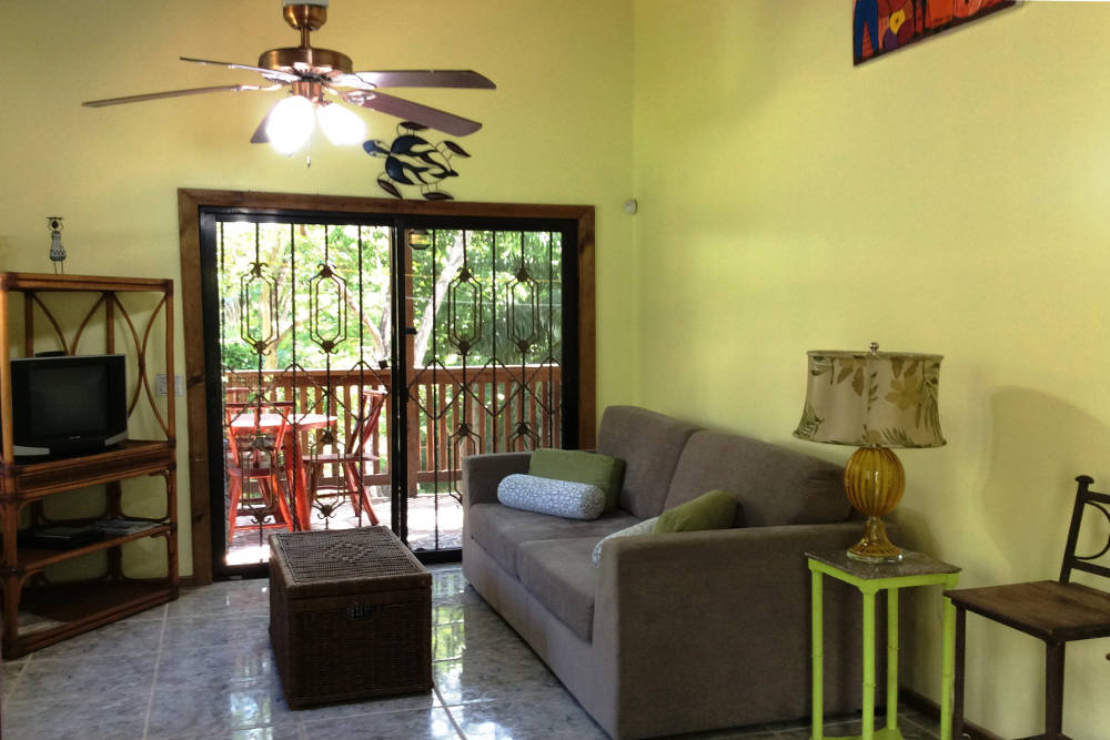 Tortuga bahia upper unit roatan property management and for Living room upstairs