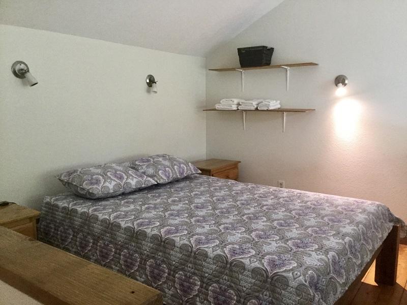 6-loft-bedroom