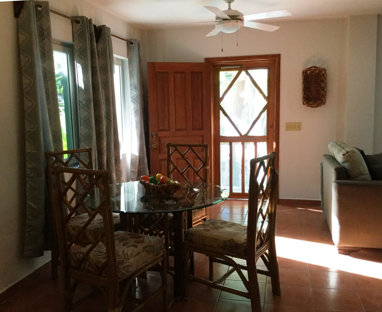 Little Dolphin Roatan Property Management And Vacation