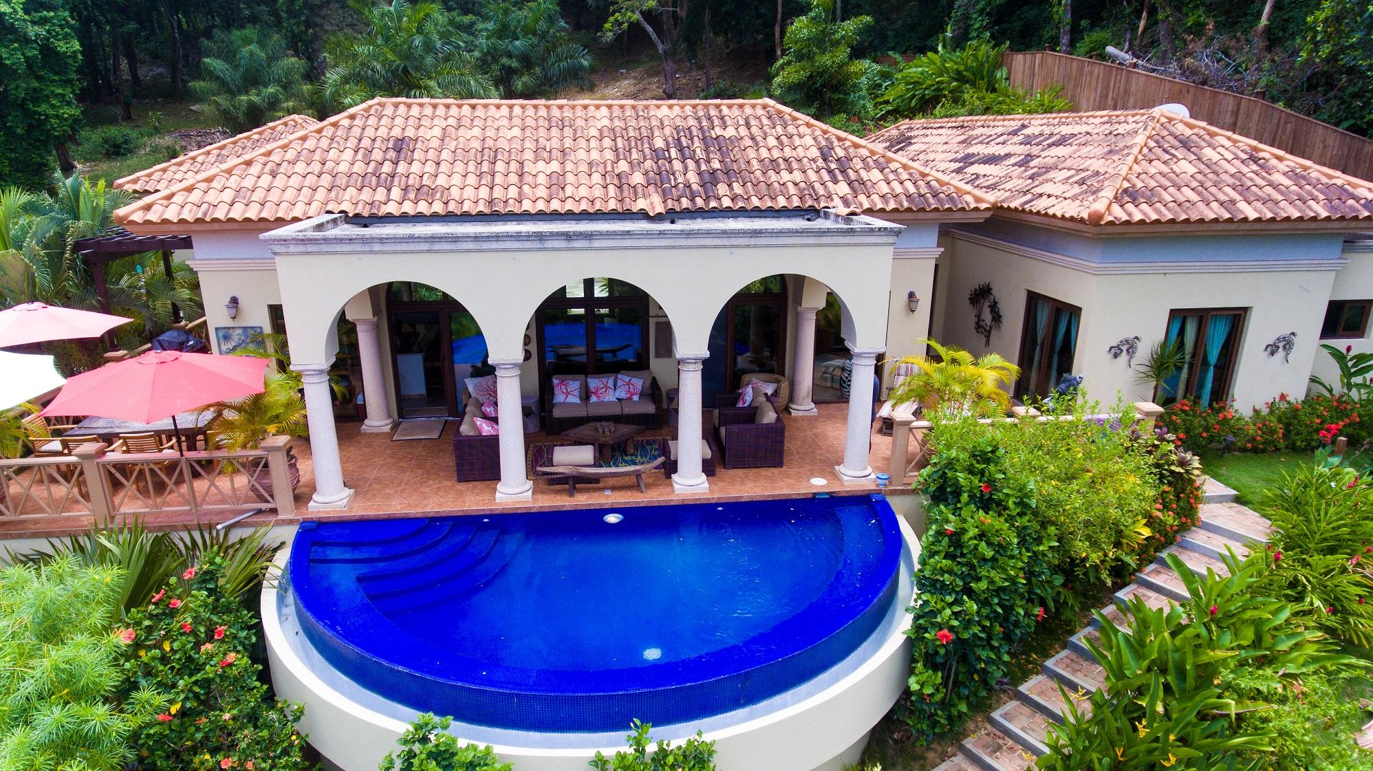 La-Colina-pool-1