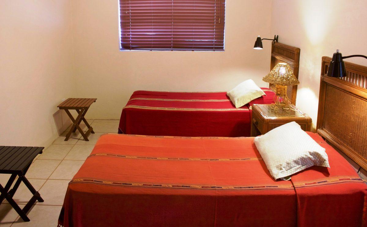 SV4B-guest-bedroom-e1545928093686