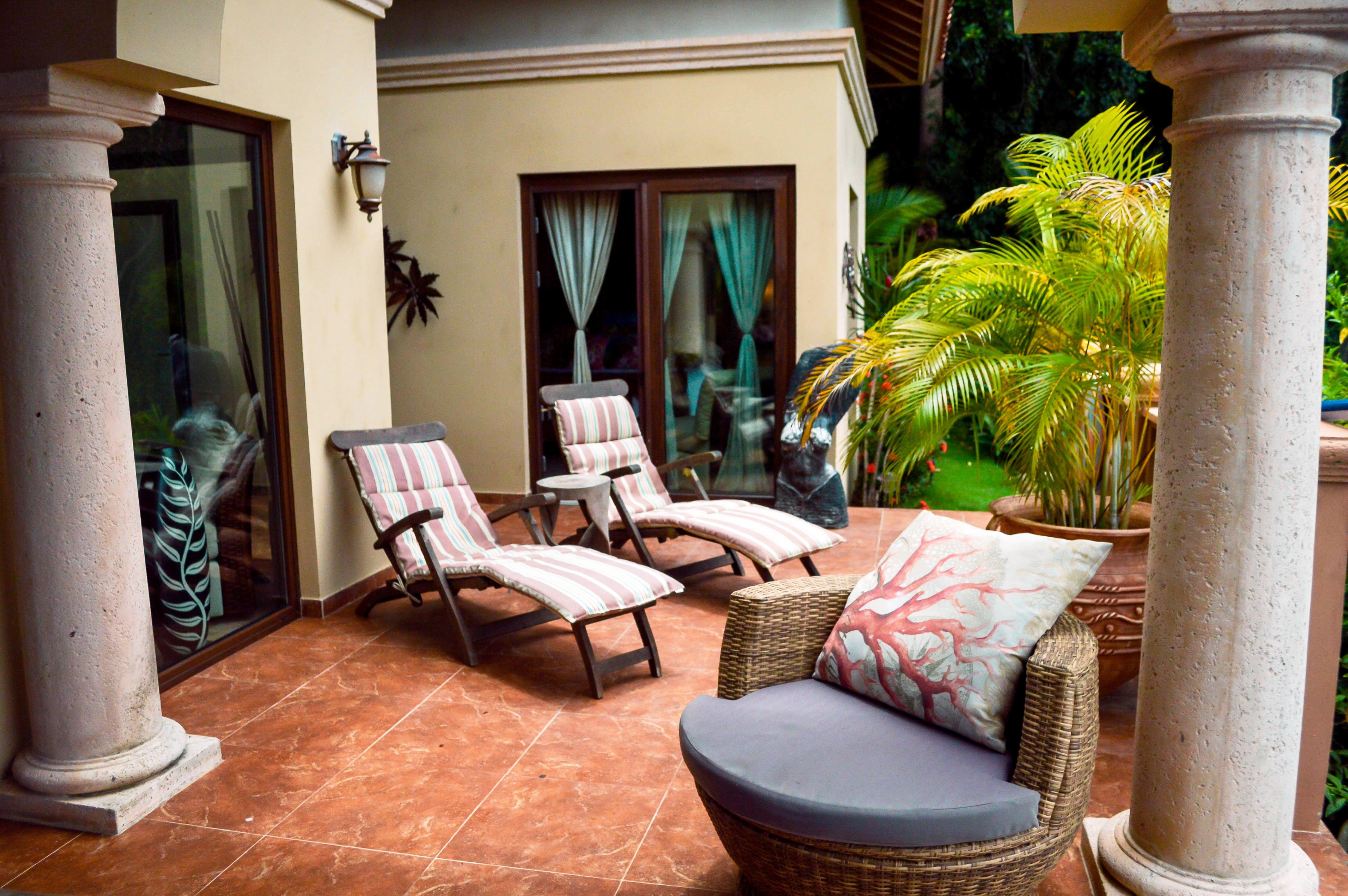 lounge-chairs-2