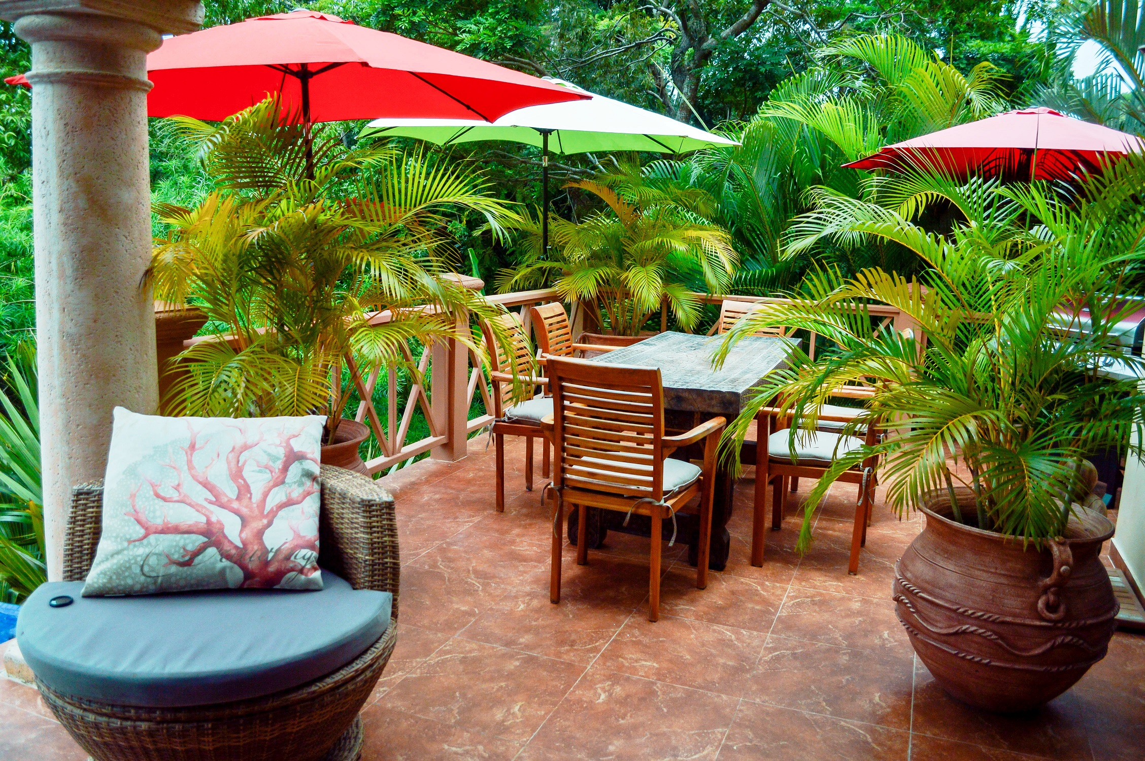 outdoor-dining-2