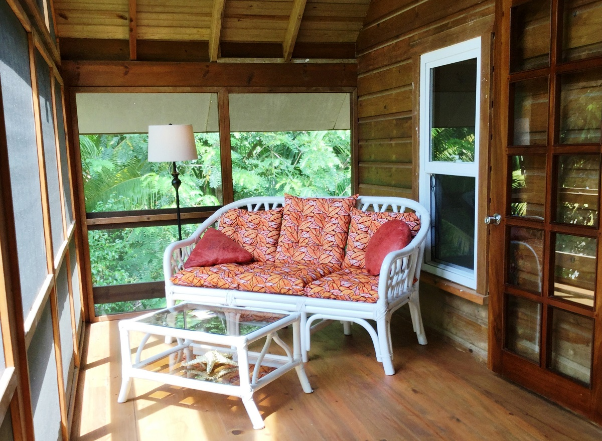 upstairs-screened-porch